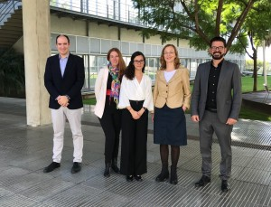 Dr. Cuadros with the members of the evaluation committee and her thesis supervisor