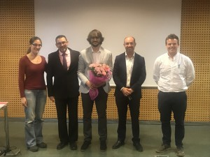 Dr. Jiménez with the members of the evaluation committee and his thesis supervisor