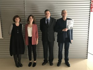 Dr. Moneo with the members of the evaluation committee and her thesis supervisor